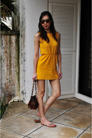 knitted wool vintage dress - vintage bag - Steve Madden sandals - sandals
