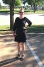 Black-orla-kiely-target-purse-black-sandals-black-banana-republic-skirt