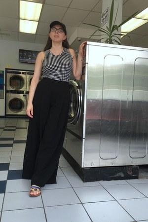 black Target top - black wide leg madewell pants