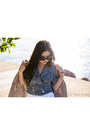 Baroque-swirls-ebay-sunglasses-zara-pants-tony-bianco-heels