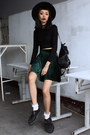 Black-choies-top-forest-green-young-hungry-free-skirt