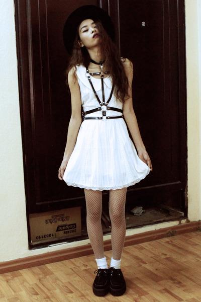 white Wholesale7 dress - white Wholesale7 tights - black Choies accessories
