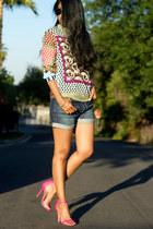 hot pink neon Steve Madden sandals - navy boyfriend Urban Outfitters shorts