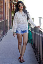 ivory lace vintage top - blue Lee shorts