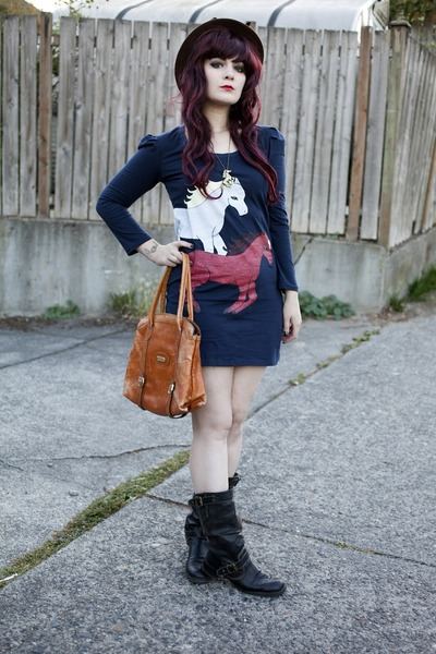 horse print dress - sonoma boots - brown bowler hat - bag