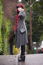 heather gray long duster sweater - black zoe sam edelman boots