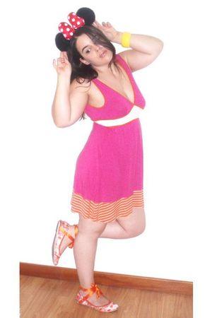 pink Bershka dress - orange Bershka shoes - yellow Parfois bracelet