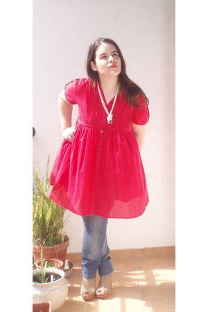 beige Bershka shoes - blue Bershka pants - red shirt - pink vintage accessories