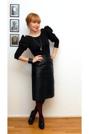 black HM Trend shirt - crimson tights - black vintage skirt