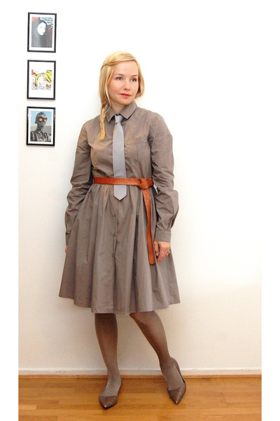 dark khaki Zara dress - heather gray tights - burnt orange belt