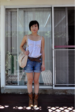 beige Old Navy bag - brown Steve Madden shoes - blue Olsenboyle shorts