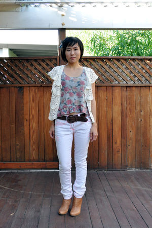 silver mudd cropped floral top - beige Nine West boots - white Wet Seal jeans