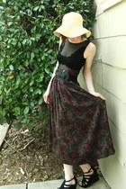black shoes - light yellow hat - maroon skirt - black top