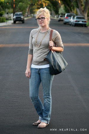 light brown Gap sweater - navy Refuge jeans - navy nylon medium longchamp bag