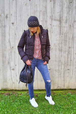 Zara jeans - Zara hat - DSquared jacket - Zara shirt - Zara bag - Mango sneakers