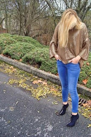 Zara boots - Zara sweater