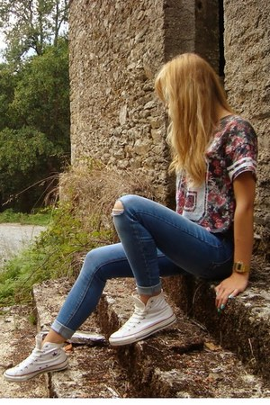 BBSISTER t-shirt - pull&bear jeans - Converse sneakers