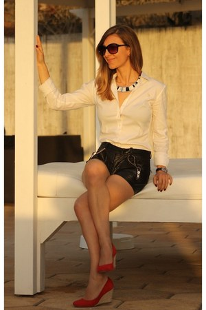 Hissia necklace - US Polo shirt - Maje shorts