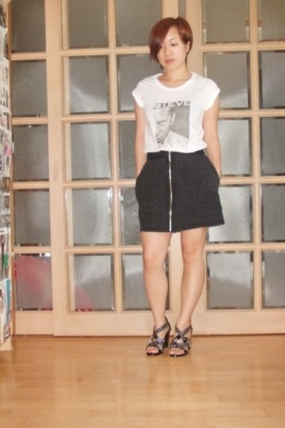 D&amp;G t-shirt - richard chai skirt - Burberry shoes