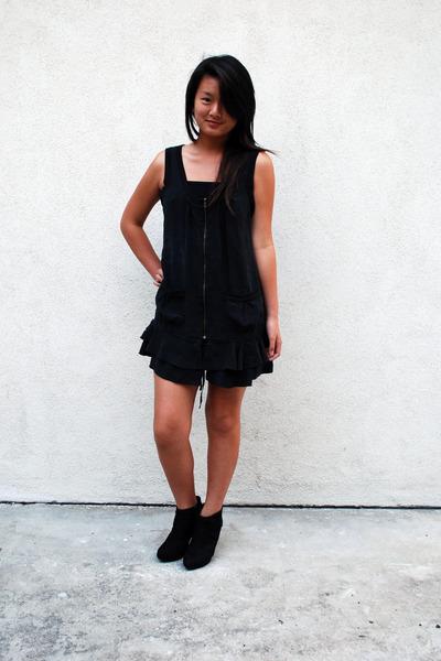 black Bebe dress - black boots