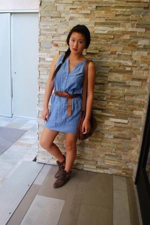 blue Forever21 dress - brown H&M purse - brown American Eagle belt - brown Zara