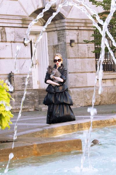 black Le Caniche Noir coat