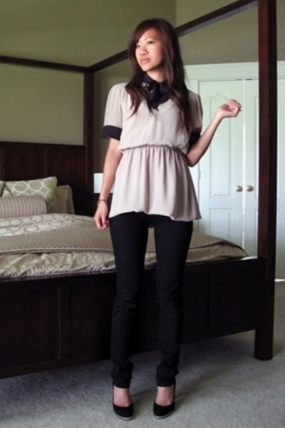 vintage blouse - papaya jeans - stuart weitzman shoes