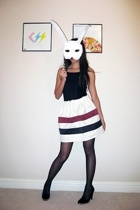 issarocks skirt - stuart weitzman shoes