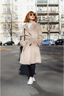 Camel-thrifted-coat-mom-vintage-jeans