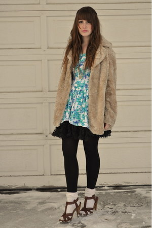 camel vintage fur jacket - brown H&M shoes - sky blue Beacons Closet dress
