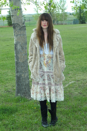 designervalue village jacket - Urban Outfitters top - Aldo - skirtvintage - Natu