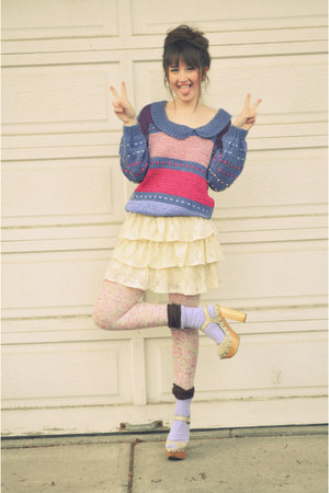 purple sweater vintage sweater - light pink floral tights H&M tights