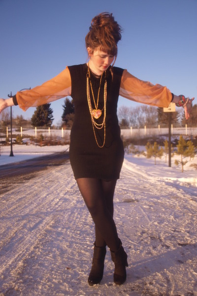 black dress savers dress - gold Aldo necklace - black vintage boots