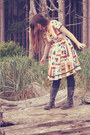 Light-brown-oasap-dress-dark-green-vintage-boots