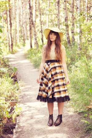 bronze long skirt vintage skirt - camel JC Penney hat