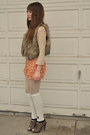 Peach-forever-21-lingerie-shorts-brown-blue-notes-vest-beige-lace-lace-top-t