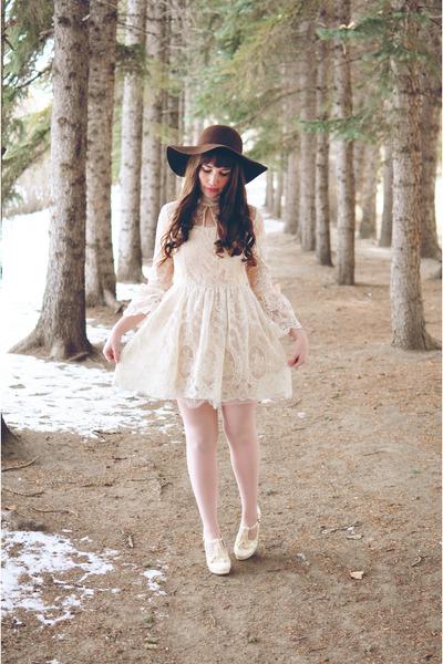 white lace dress OASAP dress - off white OASAP heels