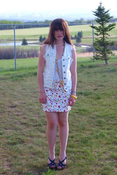 white zara floral Zara skirt - blue Rocket Dog shoes