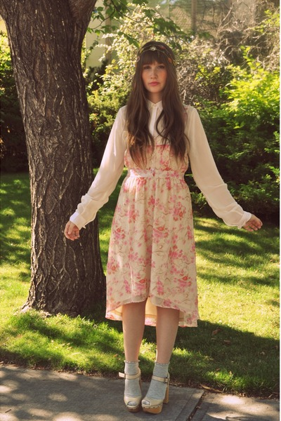 bubble gum floral dress Urban Outfitters dress - white wedges Aldo wedges