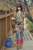 amethyst mama stone vintage dress - salmon H&M stockings - camel the bay shoes -
