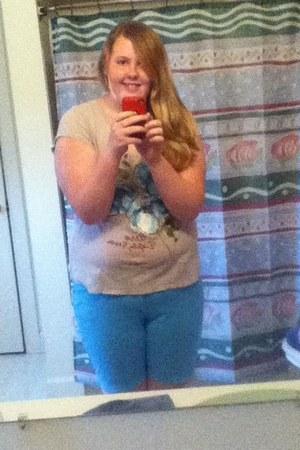 sky blue shorts - heather gray blue floral Aeropostle t-shirt