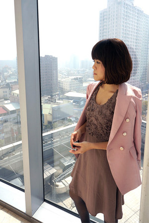 pink 50 coat - light brown Pazzo dress