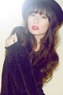 Black-vintage-dress-black-vintage-hat-silver-vintage-necklace