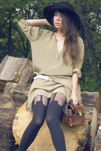 beige silk vintage dress - brown farylrobin shoes - black vintage hat