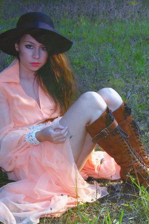 orange vintage dress - brown farylrobin boots - black vintage hat