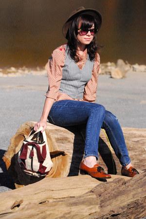 oxford vintage shoes - outback vintage hat - mini jacket vintage bag