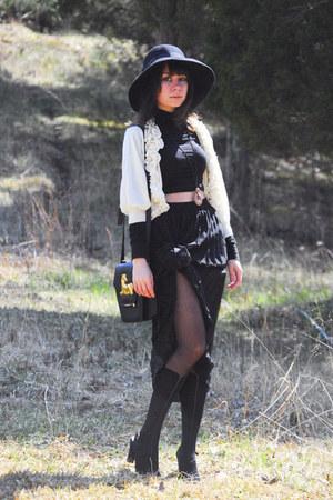 black grid farylrobin shoes - black mock knee-high Romwecom tights