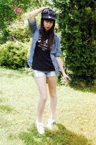 blue Gap shirt - black vintage t-shirt - blue UO shorts - white UO shoes - black