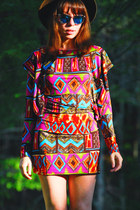 ruby red tribal print romwe dress - dark brown vintage hat - blue blue lens sung