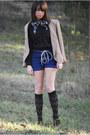 Tan-t-strap-vintage-shoes-camel-vintage-blazer-black-vintage-shirt
